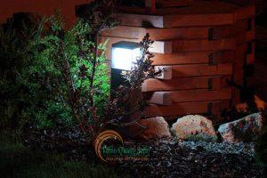 Đèn sân vườn năng lượng mặt trời TQS-CP83
